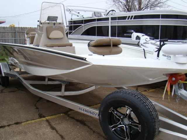 NEW 2021 EXCEL BOAT COMPANY, LLC 203 BAY BOAT - Bayou Outdoor Supercenter