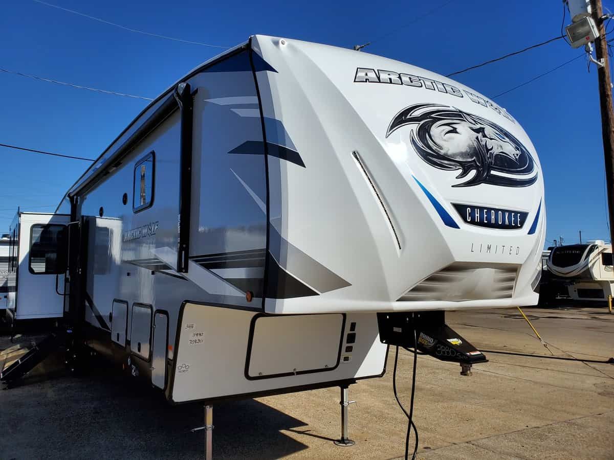 NEW 2022 FOREST RIVER CHEROKEE ARCTIC WOLF SUITE 3880 - Bayou Outdoor Supercenter
