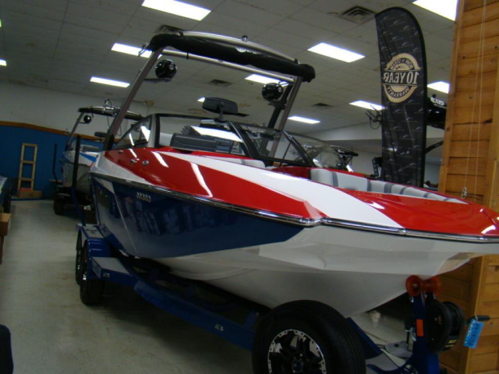New 2019 Malibu Boats Malibu 21 MLX - Bayou Outdoor Supercenter