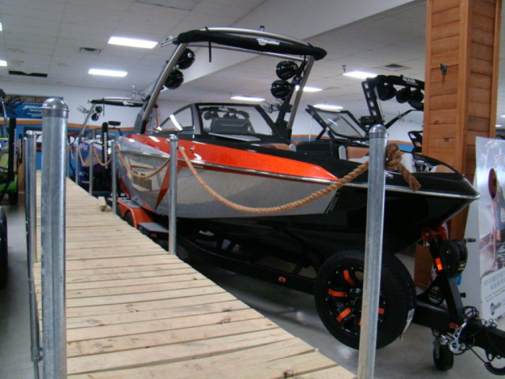 New 2019 Malibu Boats Malibu 23LSV - Bayou Outdoor Supercenter