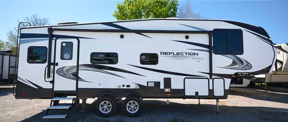 Photo of Reflection fifth wheel.