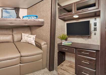 Link to blog post on mid-bunk fifth wheels and travel trailers.