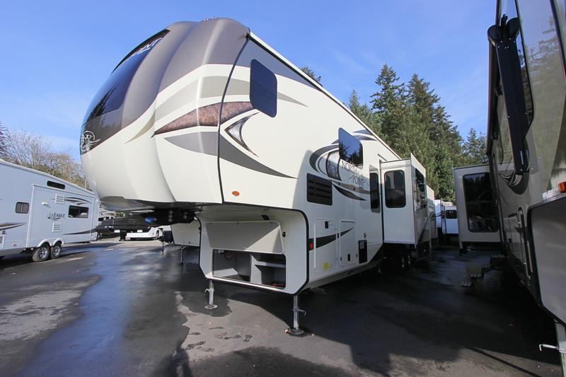 NEW 2019 Jayco North Point 383FKWS - Clear Creek RV Center