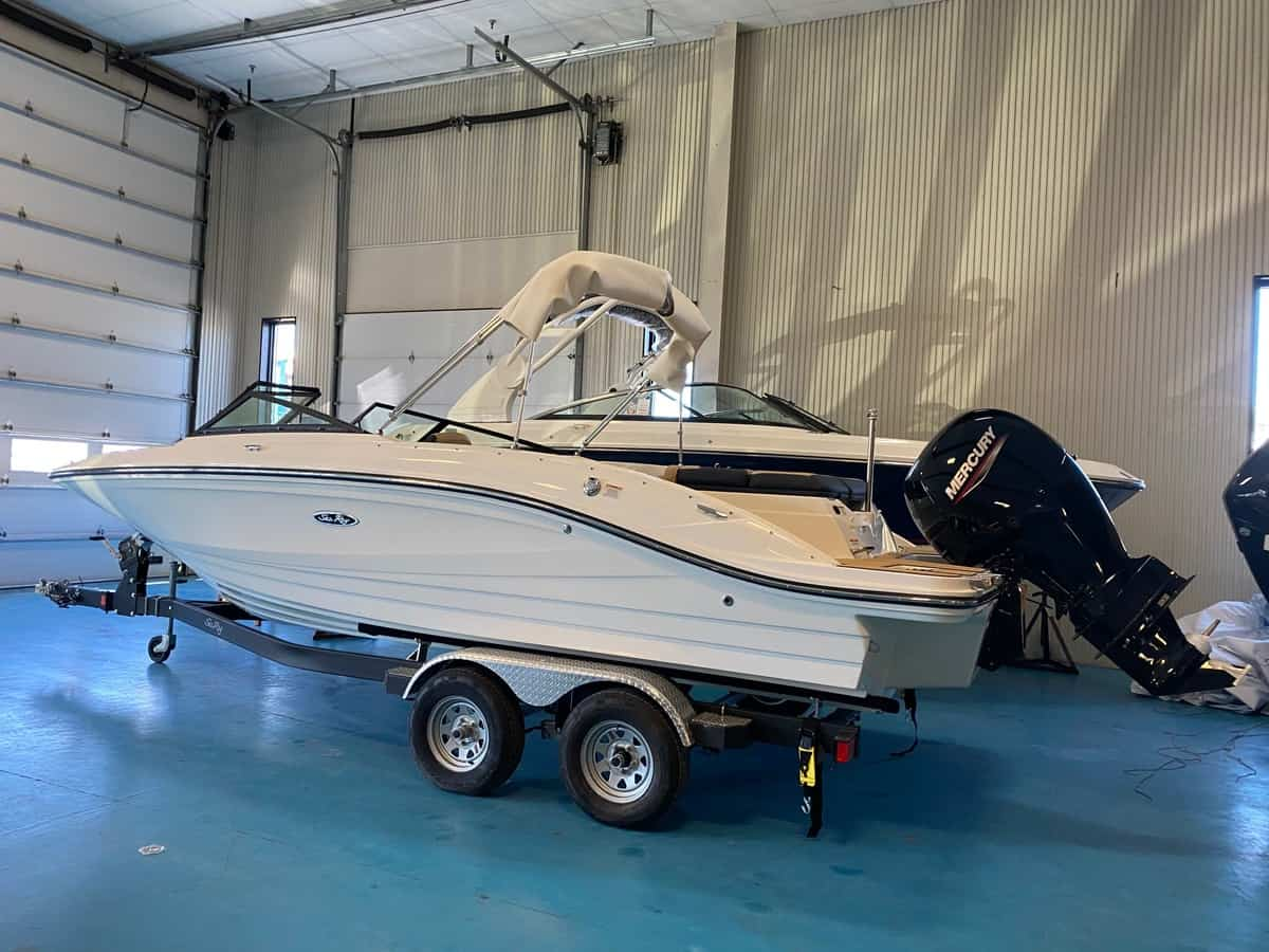 NEW 2021 Sea Ray 21 SPO - Hutchinson's Boat Works