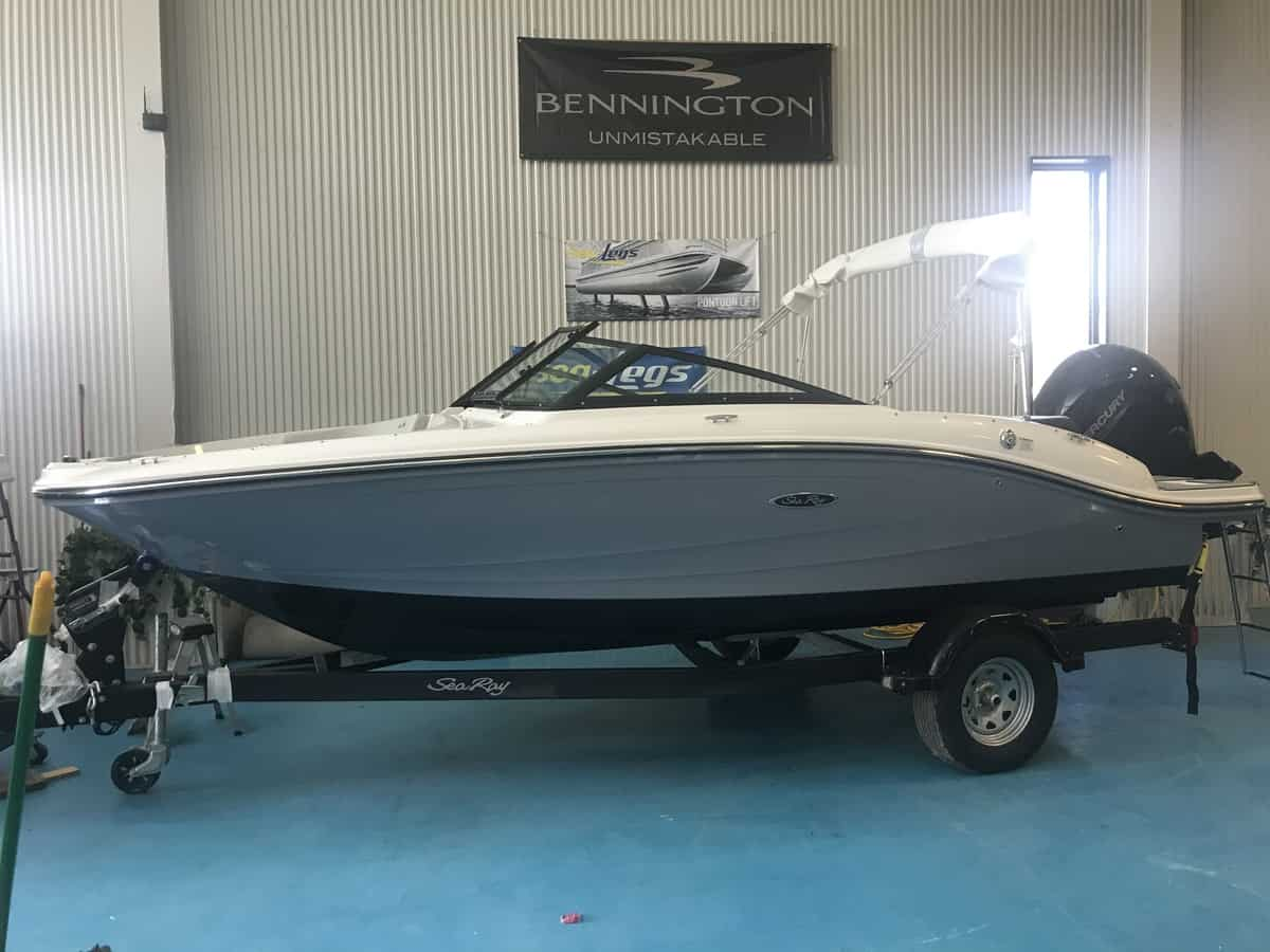 NEW 2021 Sea Ray SPX 190 OB - Hutchinson's Boat Works