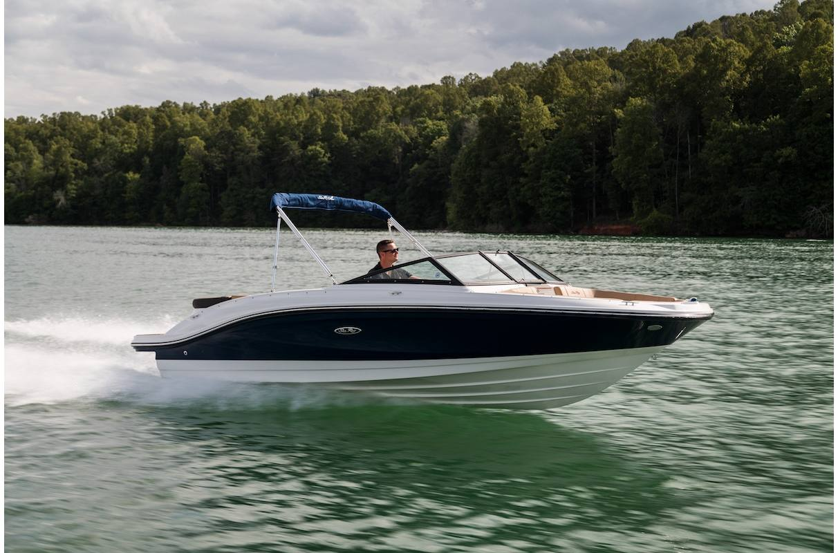 NEW 2020 Sea Ray SPX 210 - Hutchinson's Boat Works