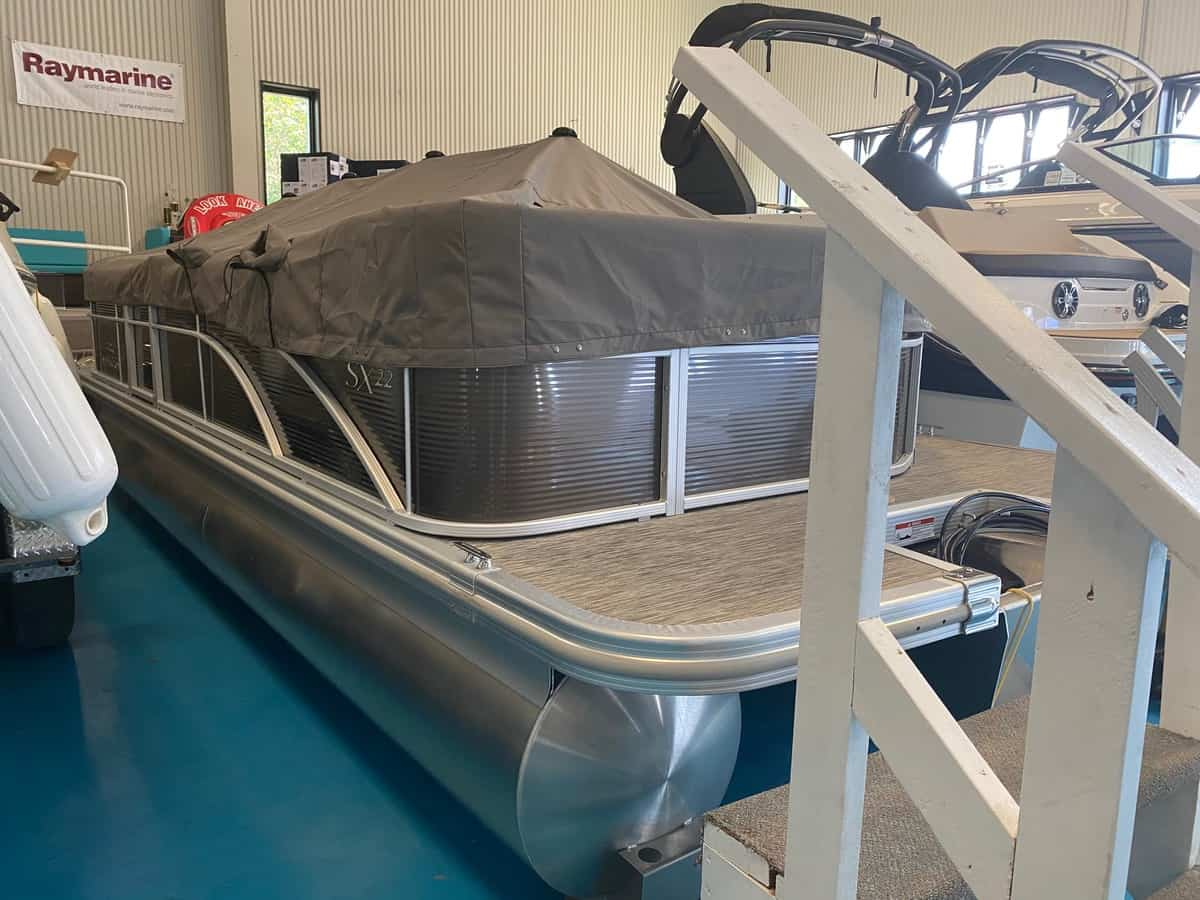 NEW 2020 Bennington 22 SLXSG - Hutchinson's Boat Works