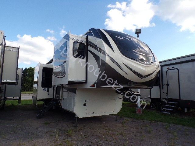 NEW 2020 Grand Design Solitude 380FL - Kroubetz Lakeside Campers