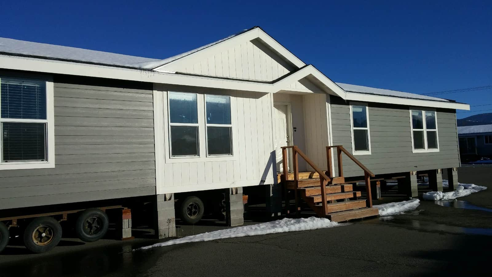 NEW HOME OFFICE Marlette 2868 SPECIAL- 2&1/2 BATH - Rangitsch Manufactured Home Center