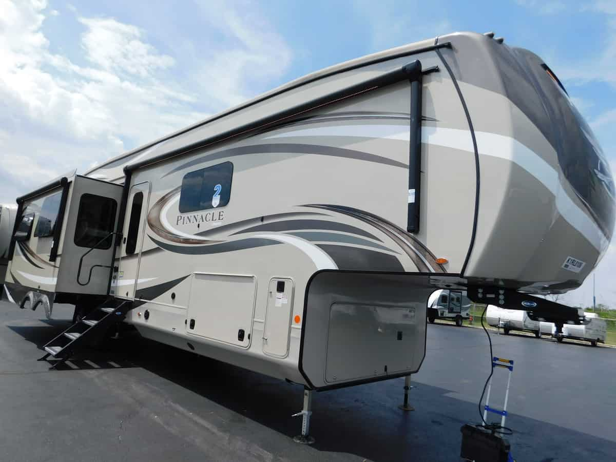 NEW 2019 Jayco PINNACLE 36FBTS - Rick's RV Center