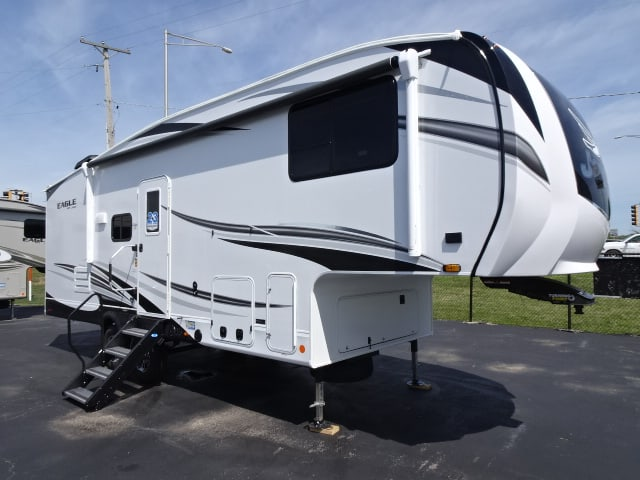 NEW 2021 Jayco EAGLE 24RE - Rick's RV Center
