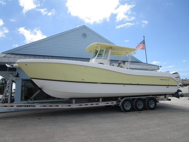 NEW 2020 World Cat 320 CC - Sara Bay Marina