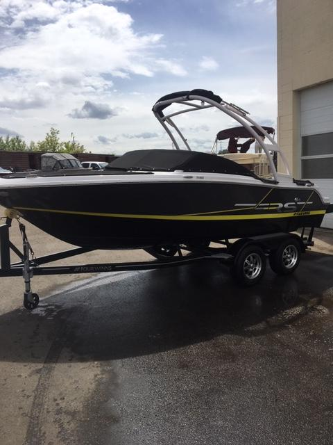Four Winns Boats | Edmonton Boat Sales | Shipwreck Marine