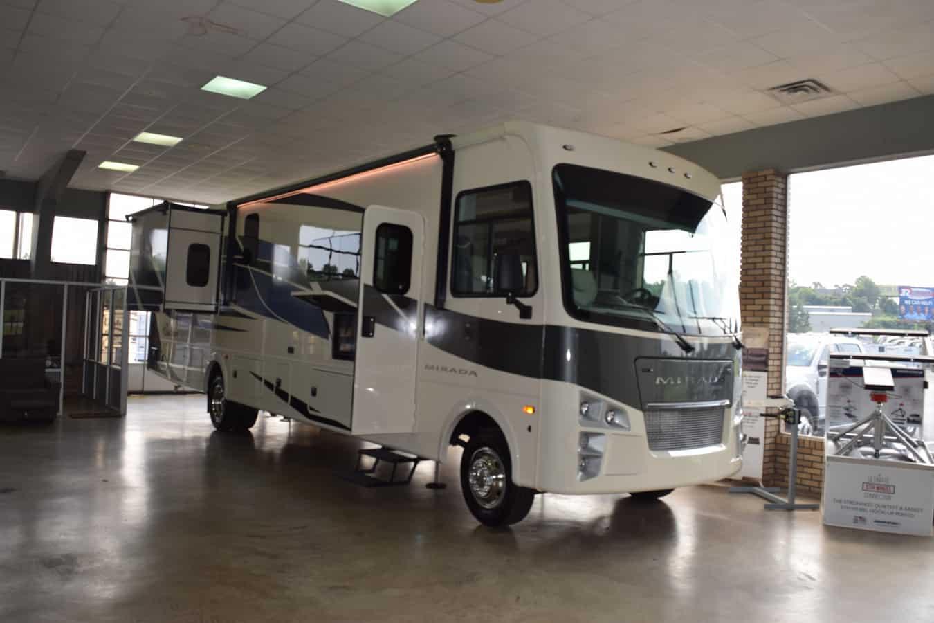 NEW 2022 Coachmen MIRADA 35 ES - Three Way Campers