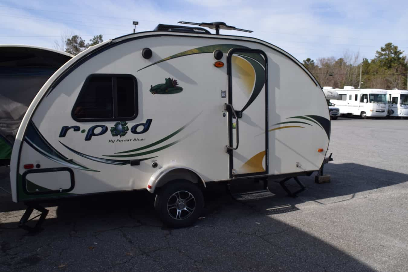 USED 2014 FOREST RIVER RPOD 176T - Three Way Campers