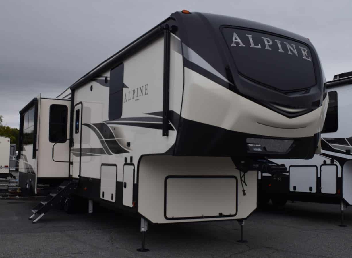 NEW 2020 Keystone ALPINE 3651RL - Three Way Campers